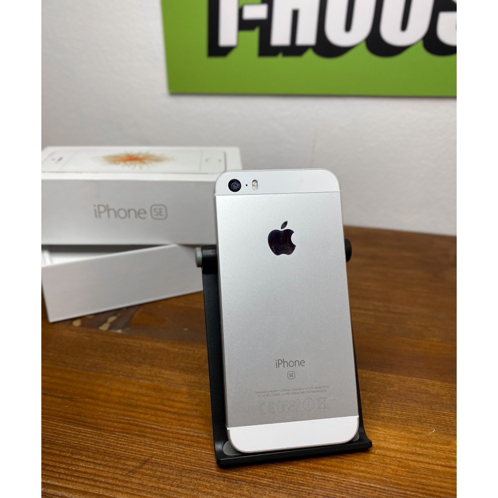 iPhone SE 16Gb Silver Б/У