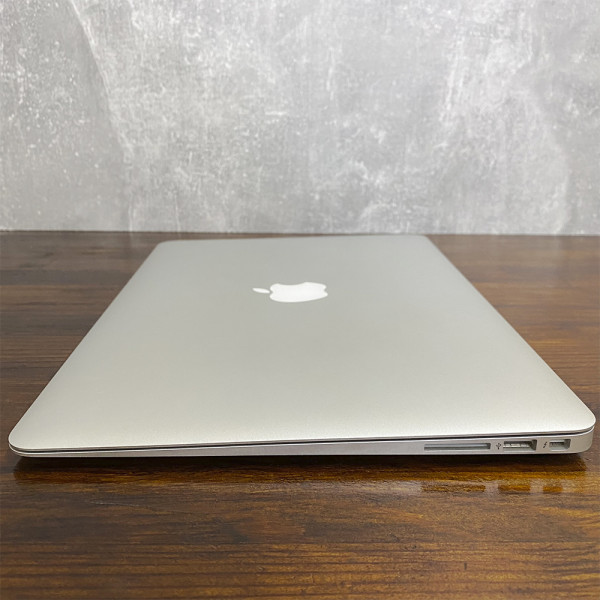 "MacBook Air 13"" 2015 (13.3/1.6GHz/4GB/256GB SSD) Б/У"