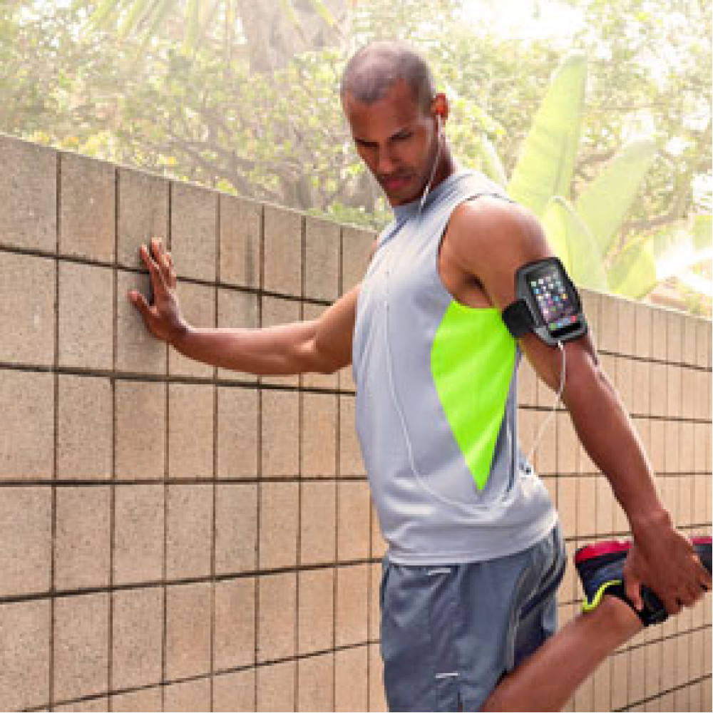 Купить Спортивный чехол на руку Belkin Sport-FIt Armband (F8W367btC00) для iPhone SE / 5s / 5 Смурый